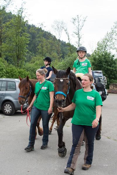 Team Lehhaldehof – Spendenaktion am Belchencenter laufen mit Pferd